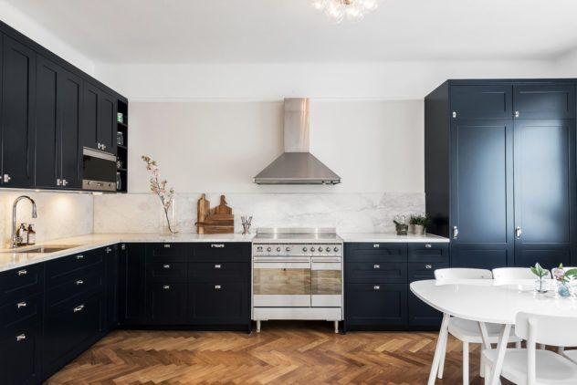 Köögimööbel eritellimusel - Customkitcheni Shaker P1 uksed ja Carrara marmorist töötasapind